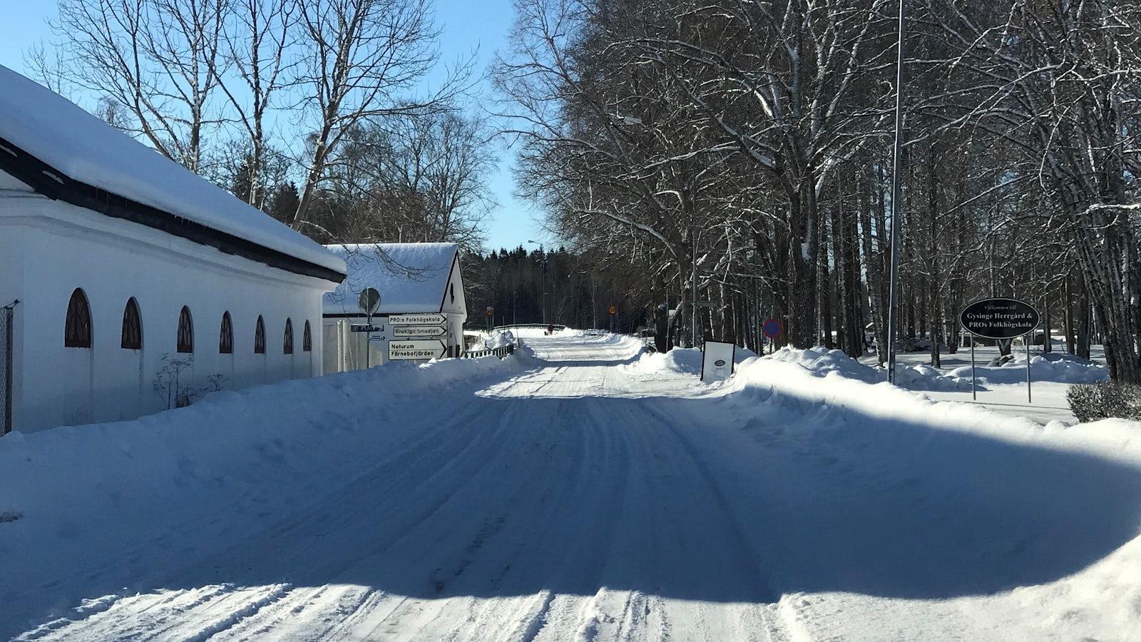 Vinterväglag på en landsväg.