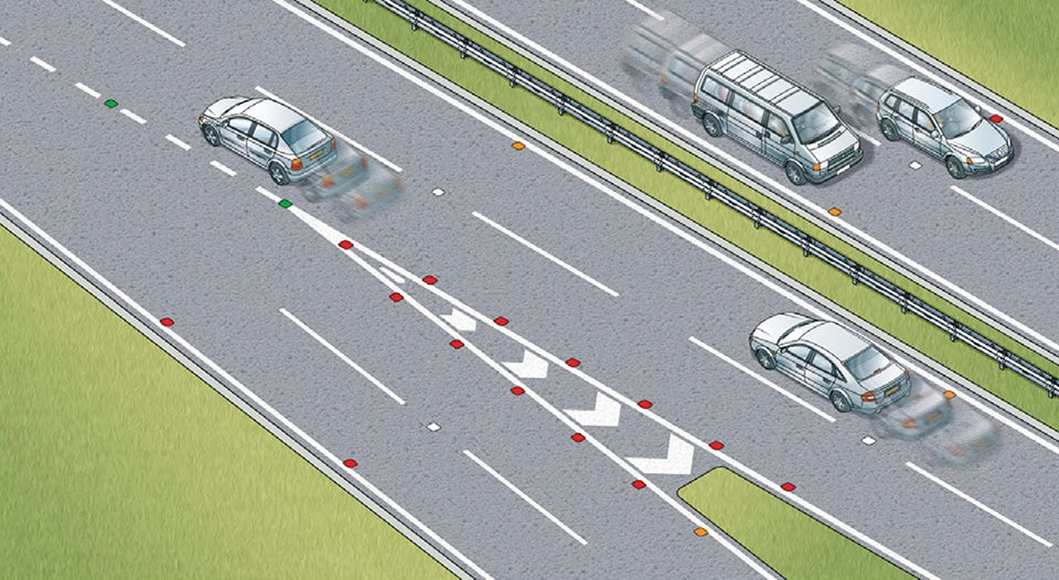Rule 132: Reflective road studs mark the lanes and edge of the carriageway